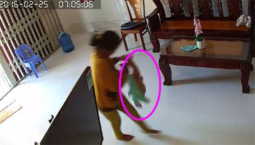 Những vụ osin bạo hành trẻ em khiến chủ nhà phát hoảng - Ảnh 3