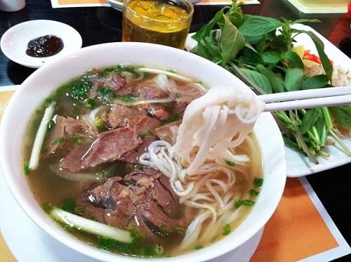 5 món ăn nhất định phải thử khi đến Việt Nam - Ảnh 2