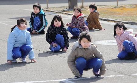 Nhật Bản lần đầu diễn tập sơ tán dân đề phòng tên lửa của Triều Tiên - Ảnh 1