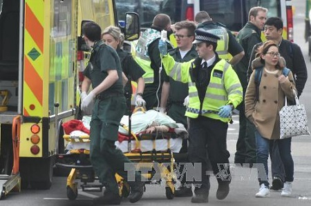 Lãnh đạo thế giới đồng loạt lên án vụ khủng bố ở Anh - Ảnh 1