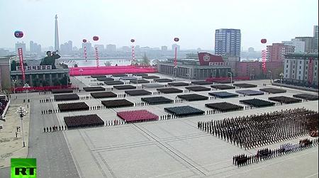 Cận cảnh buổi diễu binh lớn nhất lịch sử Triều Tiên - Ảnh 4