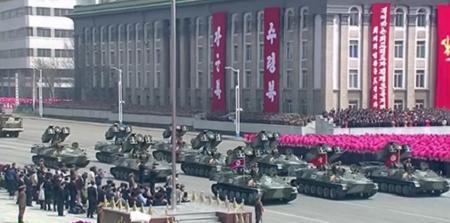 Cận cảnh buổi diễu binh lớn nhất lịch sử Triều Tiên - Ảnh 8