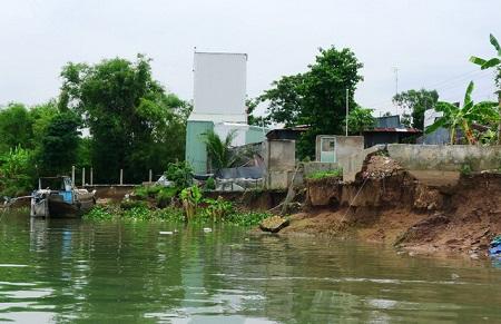 Thủ tướng yêu cầu kiểm tra, rà soát tình trạng sạt lở ở Đồng bằng sông Cửu Long - Ảnh 1