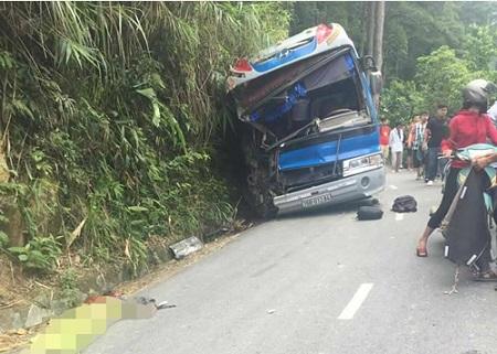 Thêm một người tử vong trong vụ xe chở học sinh đâm vào vách núi Tam Đảo - Ảnh 1