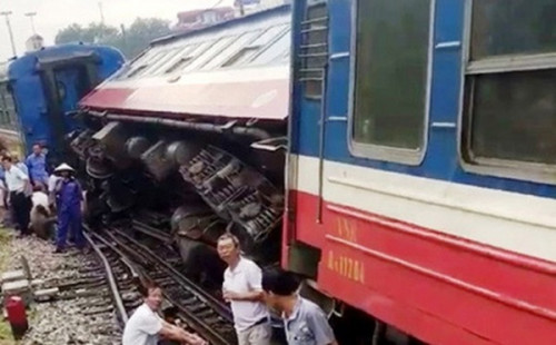 Nguyên nhân vụ 2 tàu trật bánh khỏi đường ray tại ga Yên Viên - Ảnh 1