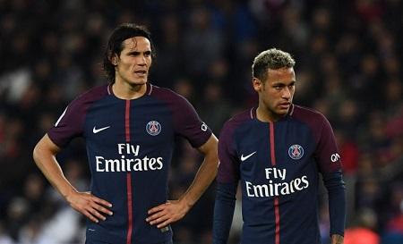 Lùm xùm phòng thay đồ PSG: Neymar bị yêu cầu không tranh đá phạt đền với Cavani - Ảnh 1