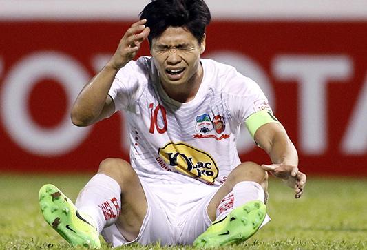 Công Phượng dính chấn thương, có thể sẽ phải nghỉ 1-2 vòng đấu V-League - Ảnh 1