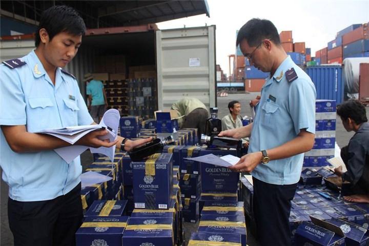 """Vụ """"mất tích"""" hơn 200 container: Nhiều công chức hải quan bị khởi tố, điều chuyển - Ảnh 1"""