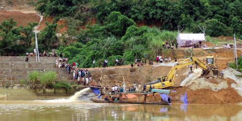 Vụ sập cầu đang thi công ở Tuyên Quang: 3 thi thể đã được tìm thấy - Ảnh 1
