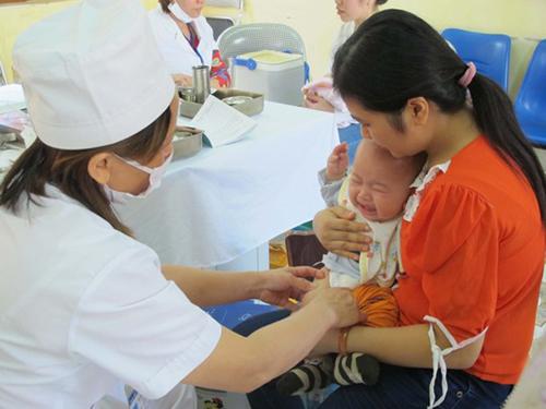 Tp. HCM tạm thời bị gián đoạn vắc xin dịch vụ Pentaxim - Ảnh 1