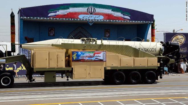 """Phóng tên lửa tầm bắn 2.000 km, Iran khẳng định """"không cần xin phép bất cứ nước nào"""" - Ảnh 1"""