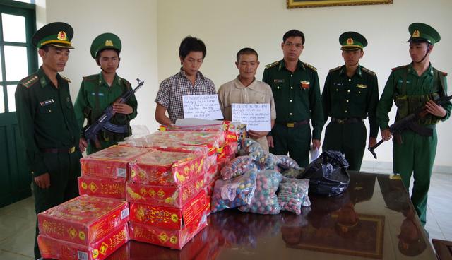 Vượt biên trái phép sang Campuchia rồi mua pháo về tiêu thụ - Ảnh 1