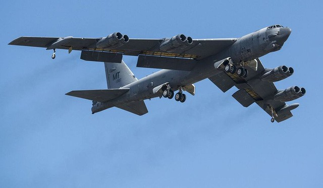 """Mỹ điều hàng loạt pháo đài bay B-52 tới Guam """"dằn mặt"""" Triều Tiên - Ảnh 1"""