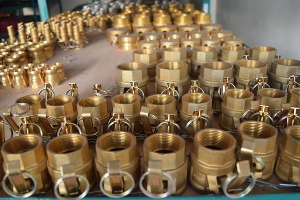 Canada áp thuế chống bán phá giá với ống nối bằng đồng của Việt Nam - Ảnh 1