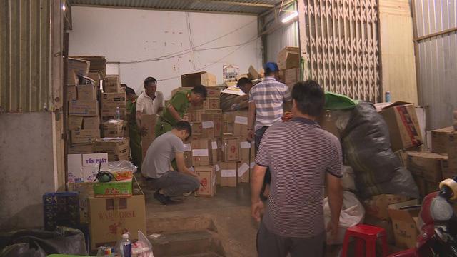 Đắk Lắk: Phát hiện hơn 10 tấn hạt nêm và bột ngọt không rõ nguồn gốc - Ảnh 1