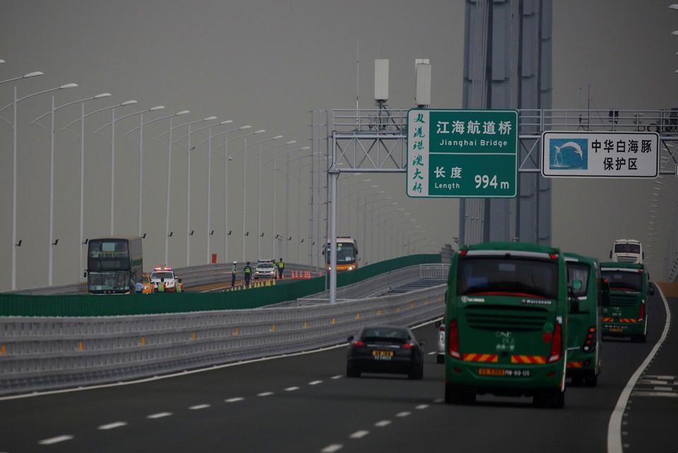 Thông xe cầu vượt biển dài nhất thế giới, nối từ Trung Quốc đại lục tới Hong Kong, Macau - Ảnh 2