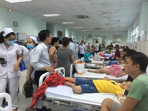 TP.HCM: Làm rõ vụ 30 trẻ bị ngộ độc phải nhập viện sau khi ăn bánh mì - Ảnh 1