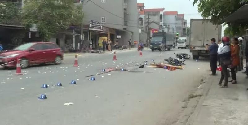 Tin tai nạn giao thông mới nhất ngày 11/11/2018: Xe đầu kéo đâm nhà dân, cán bộ quân đội tử vong - Ảnh 4