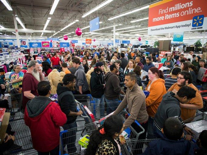 Black Friday tại Mỹ: 34 triệu người đổ xô đi mua sắm trong ngày đầu tiên - Ảnh 1