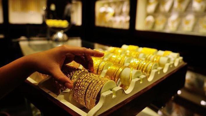 Giá vàng hôm nay 9/11/2018: Giá vàng tiếp tục tụt dốt, SJC giảm thêm 20.000 đồng/lượng - Ảnh 1