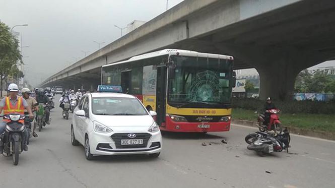 Tin tai nạn giao thông mới nhất ngày 10/12/2018: Xe khách tông nhau, nhiều người la hét kêu cứu - Ảnh 4