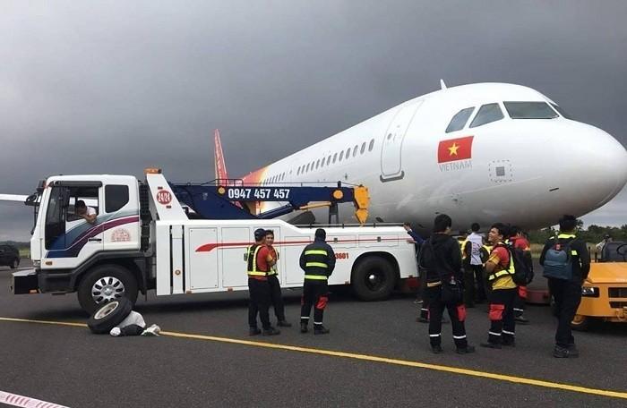 Máy bay Vietjet tiếp tục gặp sự cố lần thứ 3 trong 2 ngày: Đang cất cánh thì gặp trục trặc - Ảnh 1