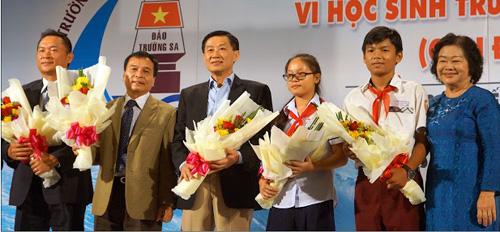 """Khối tài sản kếch xù của """"vua hàng hiệu"""" Johnathan Hạnh Nguyễn khiến triệu người mơ ước - Ảnh 4"""