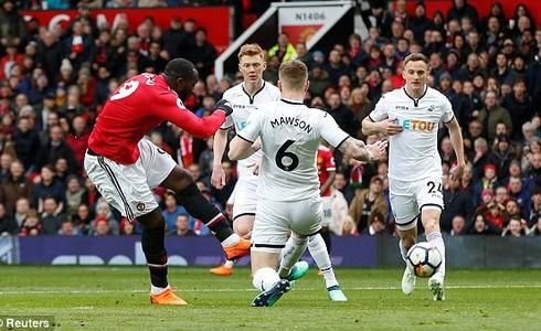 Thắng 2-0 trước Swansea: Man Utd tìm lại nụ cười - Ảnh 1