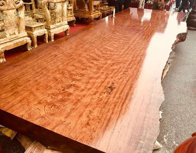 """Những tác phẩm từ gỗ quý của đại gia Việt khiến nhiều người """"hoảng hốt"""" khi nghe giá - Ảnh 4"""
