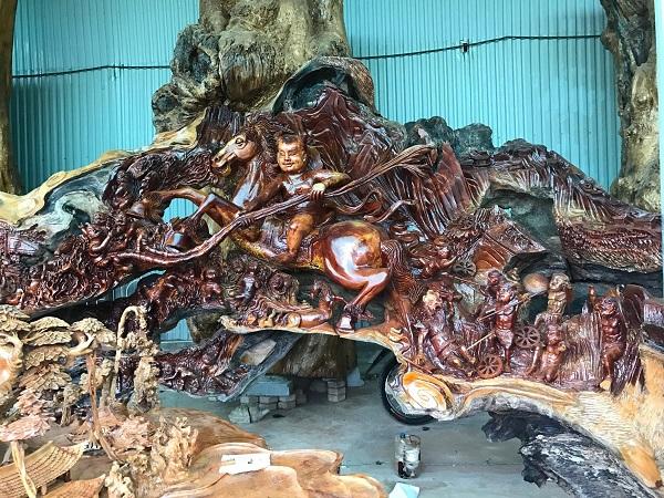 """Những tác phẩm từ gỗ quý của đại gia Việt khiến nhiều người """"hoảng hốt"""" khi nghe giá - Ảnh 9"""