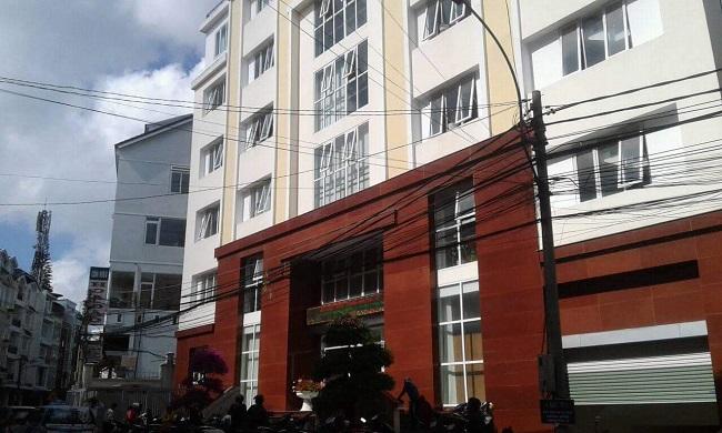 Lâm Đồng: Nữ nhân viên chi cục thuế bị tố nhận tiền bồi dưỡng - Ảnh 1