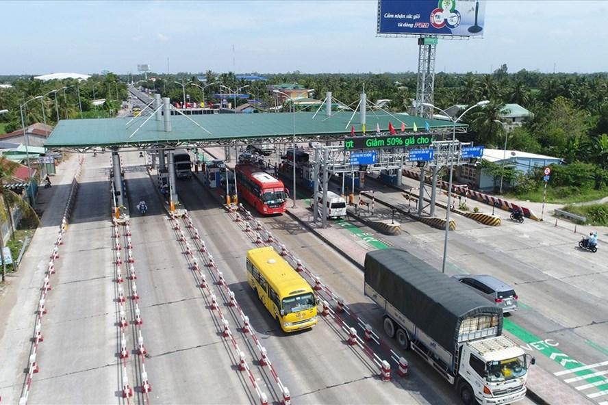 Đề xuất bỏ quy định trạm thu phí cách nhau tối thiểu 70km - Ảnh 1