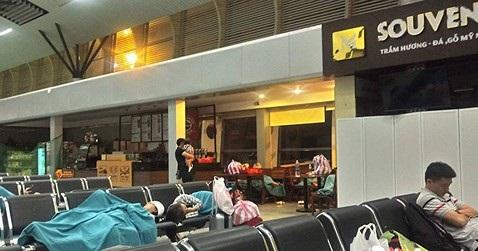3 lần phải đổi máy bay chặng Đà Nẵng - Hà Nội, Vietnam Airlines nói gì? - Ảnh 1