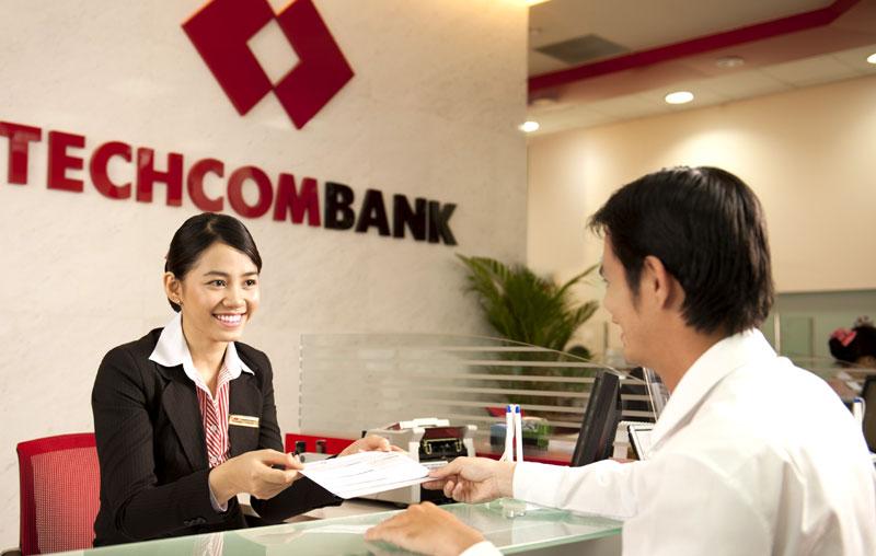 Cổ phiếu Techcombank chào sàn ngày 4/6 với giá cao ngất ngưởng - Ảnh 1