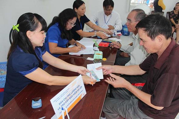 Bảo hiểm xã hội Việt Nam nói gì về nguy cơ vỡ quỹ lương hưu? - Ảnh 1