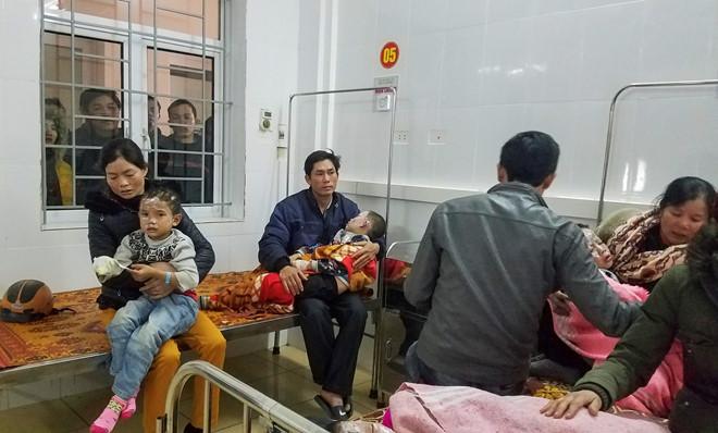 Nổ bình gas, 2 học sinh bị thương nặng, người bê bết máu - Ảnh 2