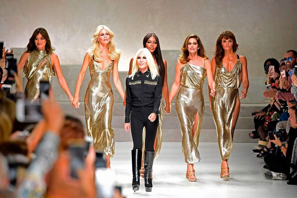 Michael Kors sắp mua Versace với giá khoảng 2 tỷ USD - Ảnh 1