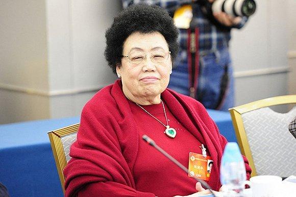 """Sự nghiệp lẫy lừng và hôn nhân viên mãn với """"Đường Tăng"""" của nữ tỷ phú quyền lực bậc nhất Trung Quốc - Ảnh 1"""