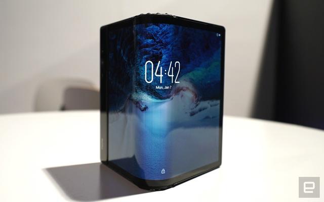 Huyền thoại Motorola RAZR chuẩn bị được hồi sinh dưới dạng màn hình gập, giá 1.500 USD - Ảnh 1