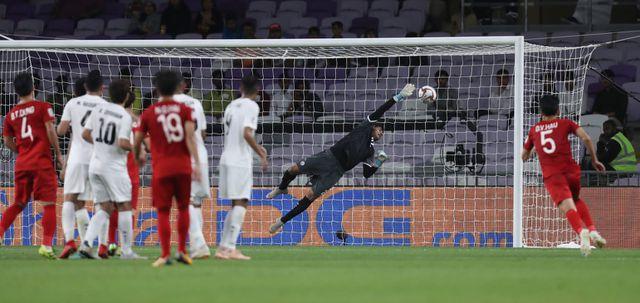 """Bàn sút phạt """"thần sầu"""" của Quang Hải lọt top 10 bàn đẹp nhất vòng bảng Asian Cup 2019 - Ảnh 1"""