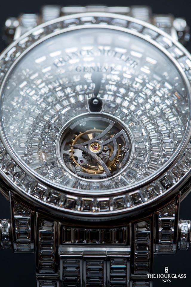 Đồng hồ đeo tay giá lên tới 46 tỷ đồng được chế tác tinh xảo và tuyệt mỹ cỡ nào? - Ảnh 3
