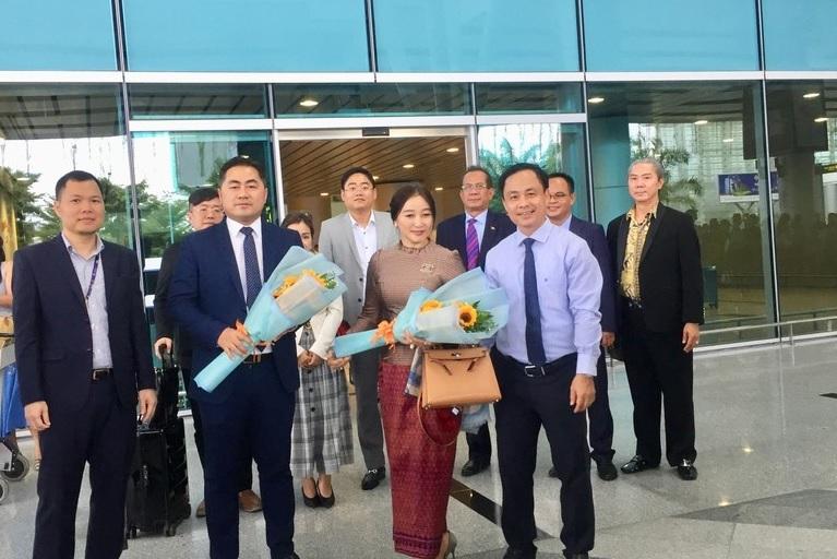 Đà Nẵng đón chuyến bay thẳng đầu tiên từ Phnom Penh, bắt đầu khai thác 5 chuyến mỗi tuần - Ảnh 1