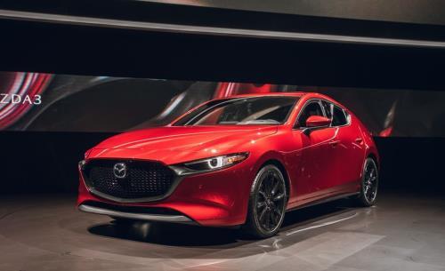 Bảng giá xe Mazda mới nhất tháng 10/2019: Giảm giá 30 triệu tiền mặt và tặng thêm bộ phụ kiện 20 triệu đồng - Ảnh 1
