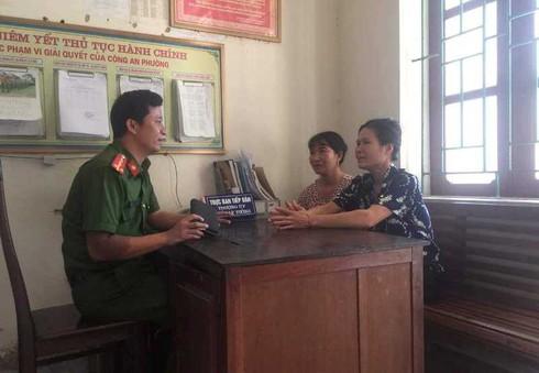 Nhặt được hơn 20 triệu đồng, hai người phụ nữ nghèo ở Hà Tĩnh tìm người trả lại - Ảnh 1