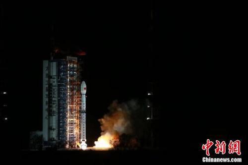Trung Quốc phóng thành công vệ tinh có độ phân giải cao - Ảnh 1