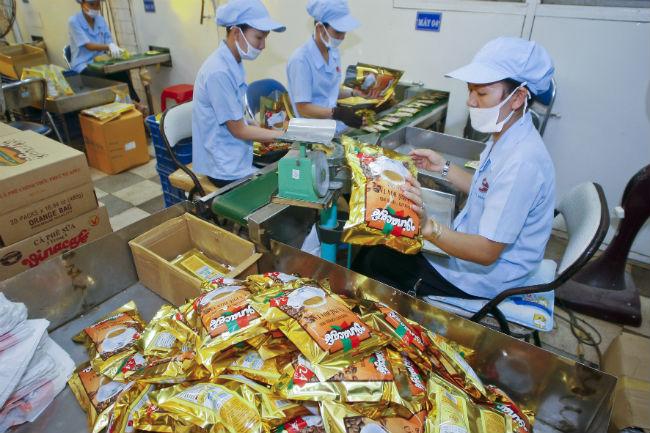 Nhà đầu tư Trung Quốc và Hong Kong âm thầm rải tiền, thâu tóm hàng loạt doanh nghiệp Việt - Ảnh 1
