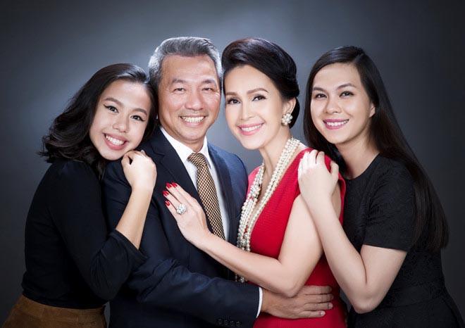 """Chân dung chồng doanh nhân Việt kiều khá kín tiếng của """"người đẹp không tuổi"""" Diễm My - Ảnh 4"""