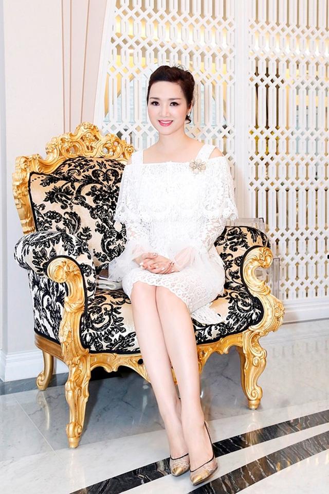 """""""Choáng"""" với khối tài sản thuộc hàng cực khủng của doanh nhân - Hoa hậu Đền Hùng Giáng My - Ảnh 2"""
