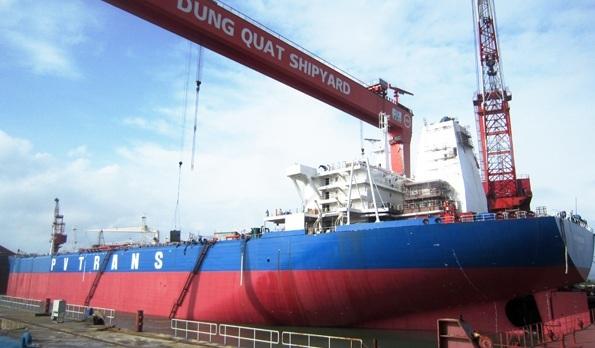 Nhà máy đóng tàu Dung Quất nợ 7.000 tỷ đồng, ngấp nghé bờ vực phá sản - Ảnh 1