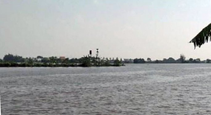 Hải Phòng: Đắm tàu chở gạch trên sông, ít nhất 2 người mất tích - Ảnh 1